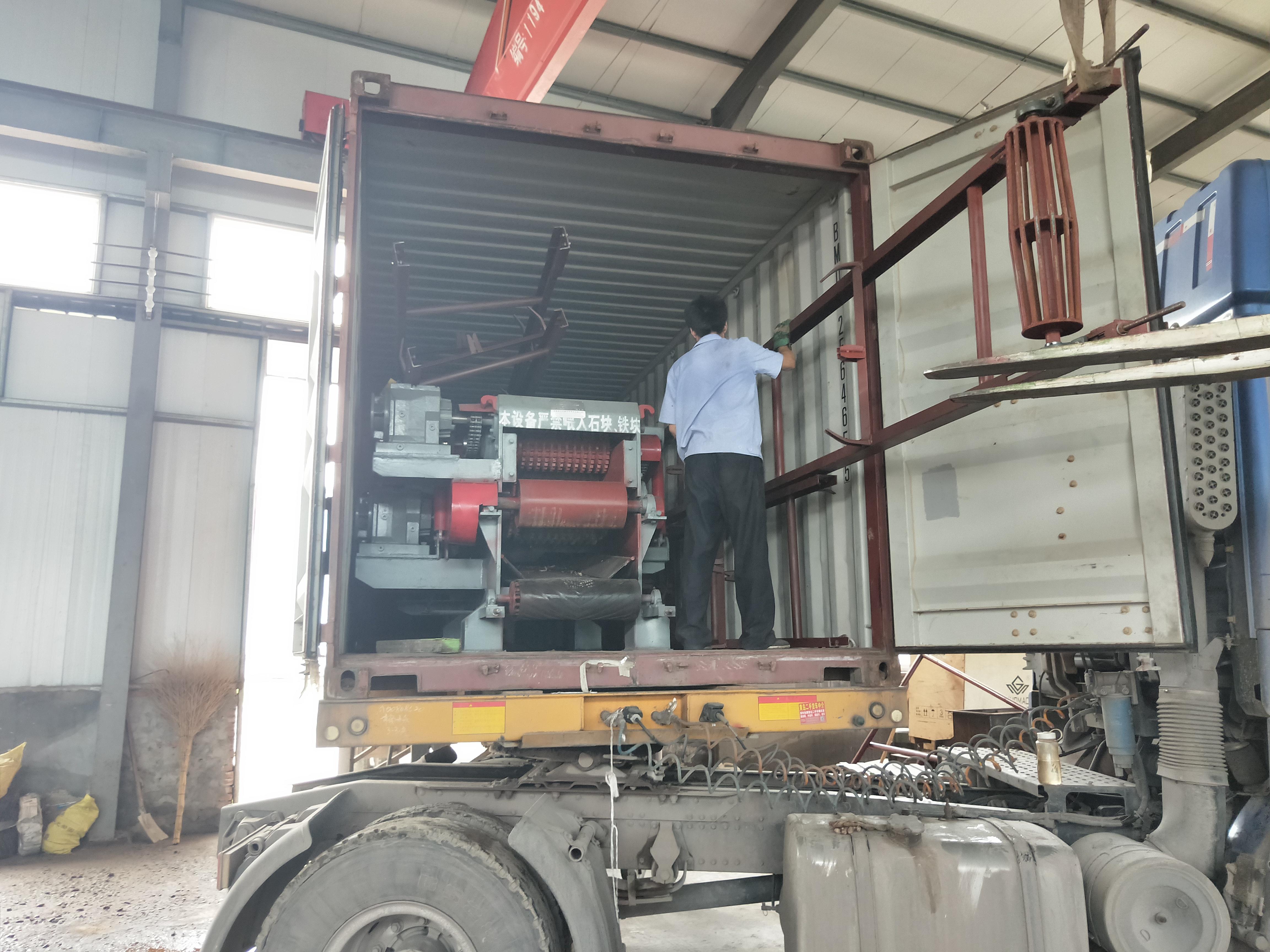 BX216型木材削片机发往印度