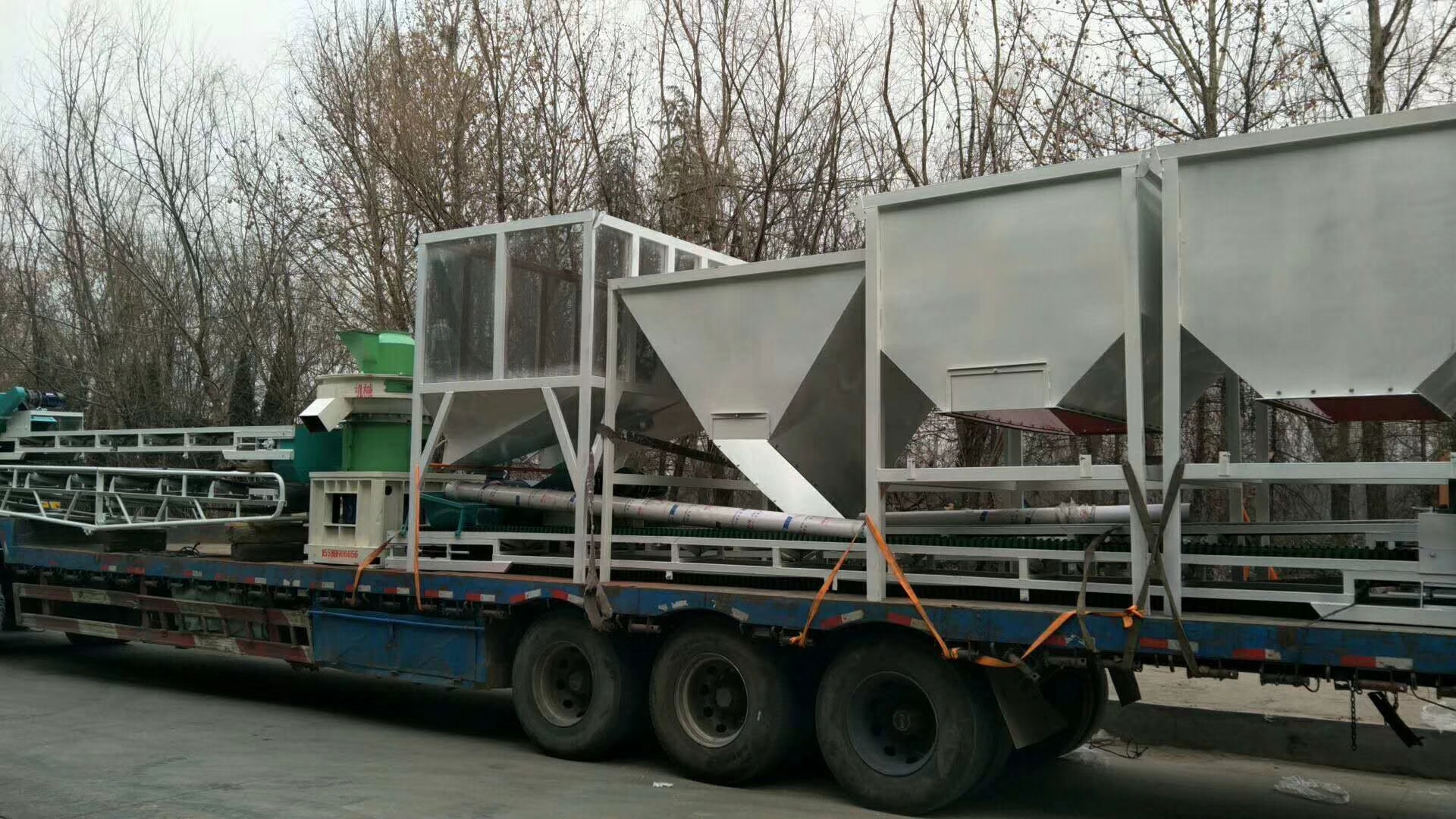 内蒙古海拉尔560木屑颗粒机生产线发货