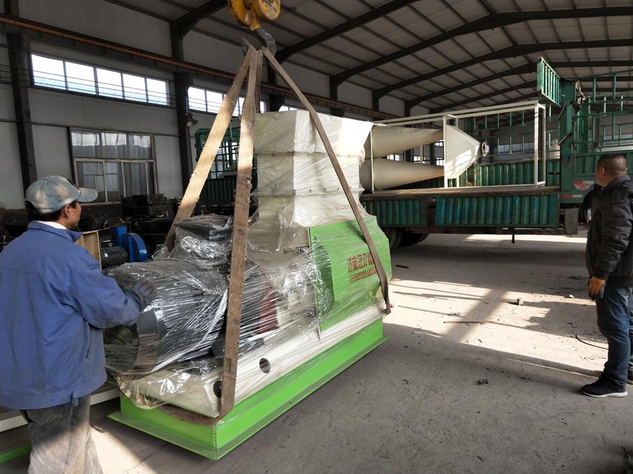 110KW木材粉碎机发往黑龙江绥芬河市